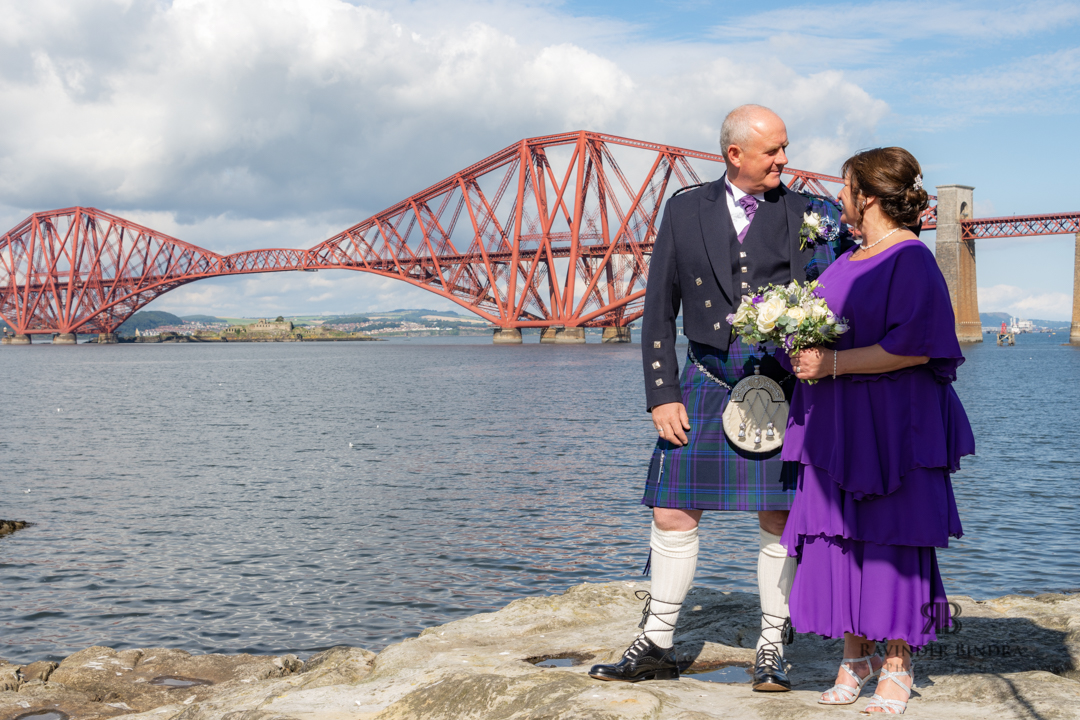 bride and groom photo at forth bridge south queensferry